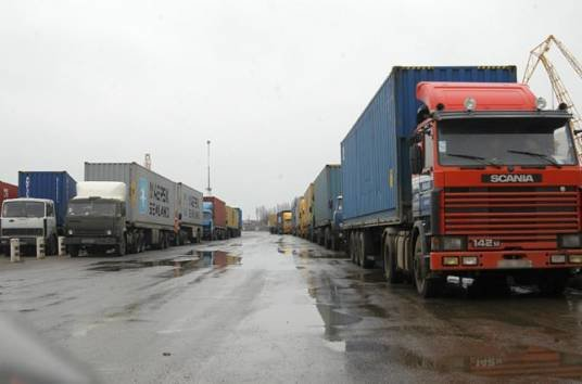 """""""Укравтодор"""" планує ввести для вантажівок збір за проїзд дорогами України"""