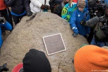 В Ісландії відкрили пам'ятник першому розталому льодовику