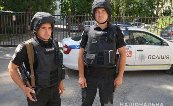 У центрі Тернополя поліцейські на гарячому затримали злодія (ФОТО, ВІДЕО)