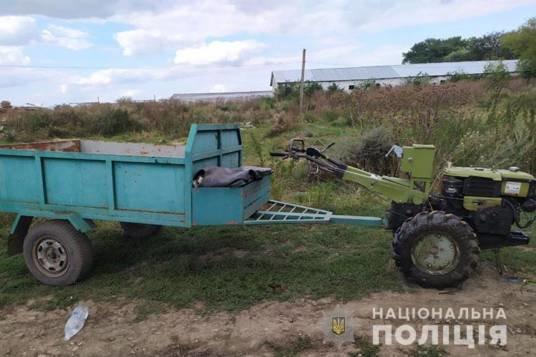 На Тернопільщині чоловік на мотоблоці врізався у дерево та загинув