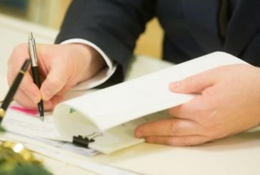 Із жовтня держорганам заборонять паперовий документообіг