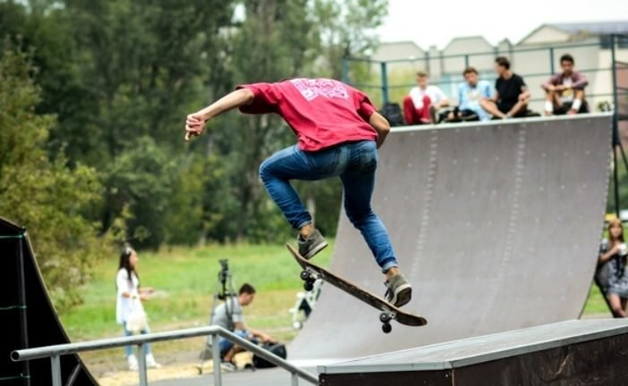 У тернопільському екстрим-парку в «Топільче» – ремонт: тренуватися можна у скейт-парку на «Циганці»