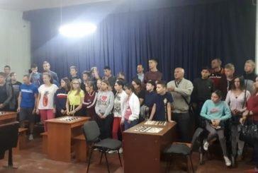 Представники Тернопільського «Інваспорту» провели шашковий турнір з нагоди Дня фізичної культури і спорту