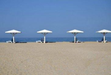 Окупанти відбирають у відпочивальників пляжі в Криму