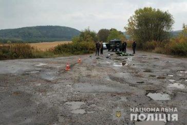 На Тернопільщині 18-річний юнак на мопеді не справився з керуванням та врізався у лісовоз (ФОТО)