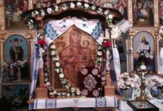 У храмі села Ратищі на Тернопільщині зберігається чудотворний образ Діви Марії (ФОТО)