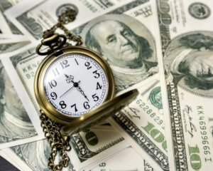 Перед вихідними Нацбанк підвищив курс долара