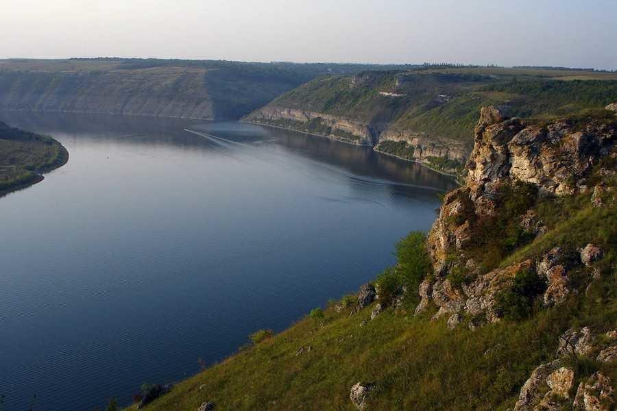 Жителі Бучаччини незаконно видобували корисні копалини в заповіднику: їм «світить» кримінал