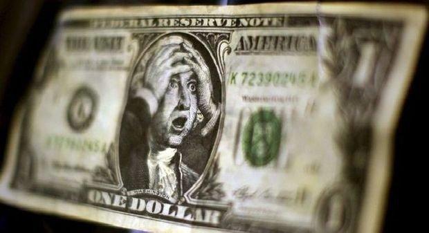 Долар котиться донизу, ціни деруться вгору: українці розчаровані