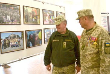 Гарматний ешелон в об'єктиві Юрія Кульпи: прес-офіцер тернопільської артилерійської бригади організував незвичайну фотовиставку