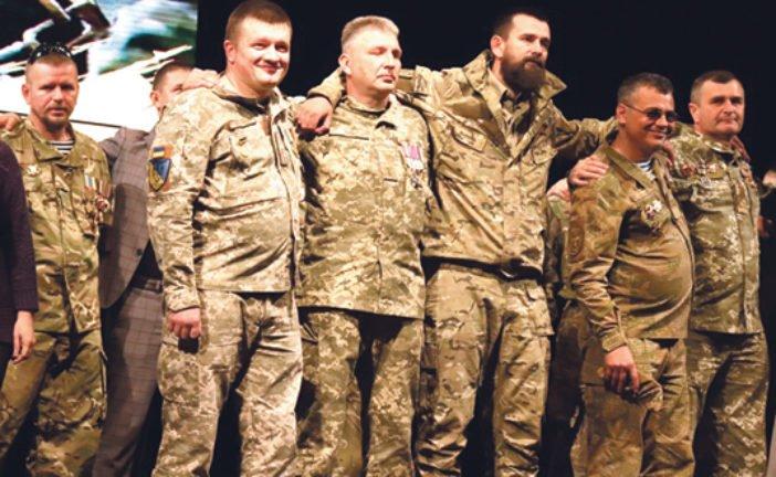Дякуємо за мужність і жертовність: у Тернополі започаткували орден «Лицарський хрест добровольця» (ФОТО)
