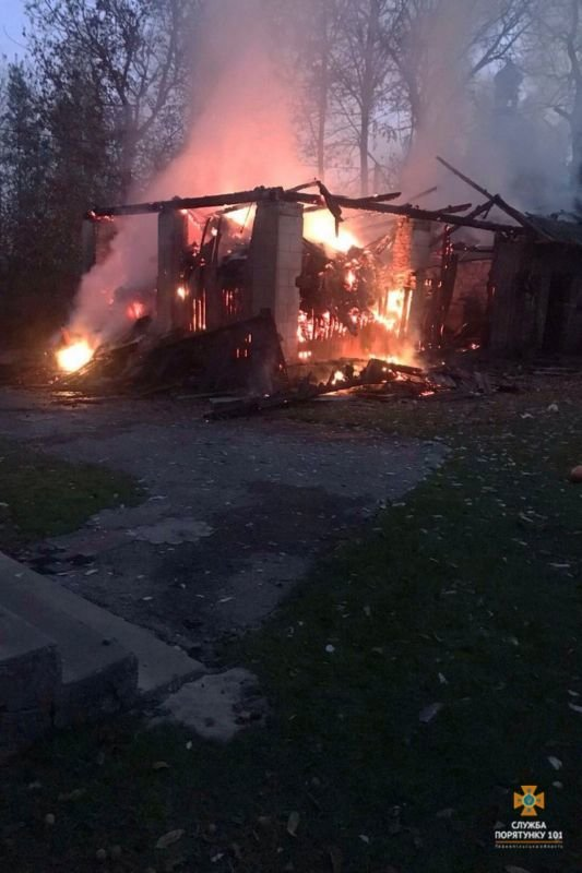 На Зборівщині пожежники врятували від вогню житловий будинок