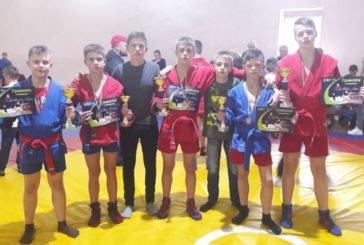 Тернополяни здобули п'ять медалей на Всеукраїнському юнацькому турнірі із самбо