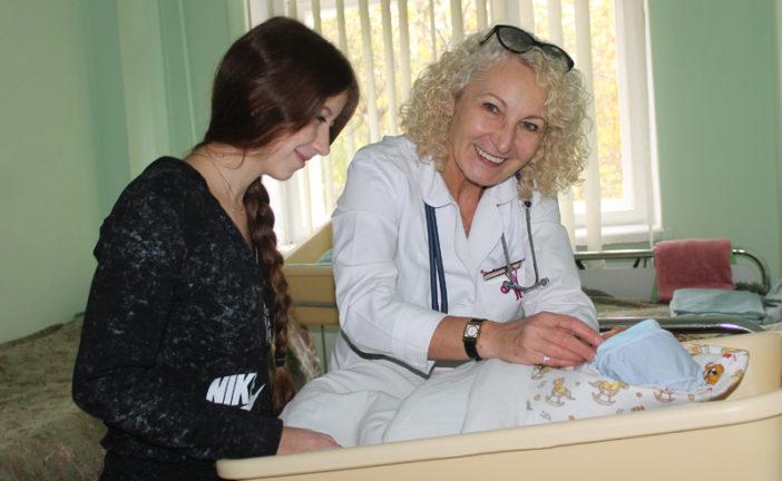 У відділенні недоношених немовлят Тернопільської обласної дитячої лікарні дарують шанс на життя «раннім пташкам» (ФОТО)
