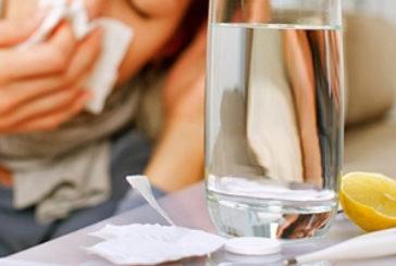 Як вилікувати застуду та грип без ліків? Пити якомога більше рідини та вітаміну С – найдієвіші народні поради проти застуди