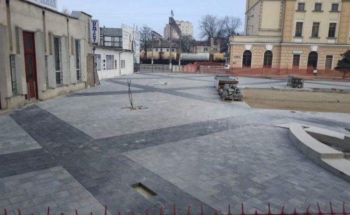У Тернополі триває реконструкція Привокзальної площі (ФОТО)