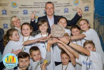 Переможцем міського етапу спортивно-масового заходу «Олімпійське лелеченя» стала команда Тернопільської школи № 10