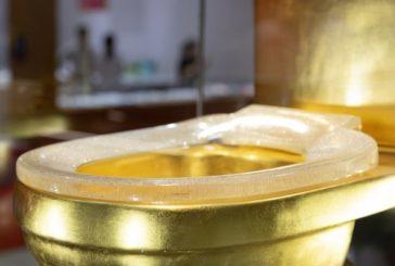 У Китаї продають золотий унітаз із діамантами