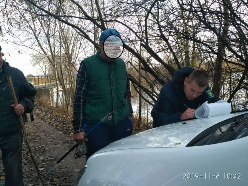 Працівники муніципальної інспекції провели рейд на Тернопільському ставі: зафіксували п'ять порушень (ФОТО)