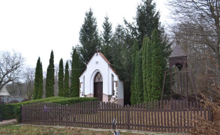 Церква в… бочці: незвичну святиню спорудили майже 20 років тому в селі Переходи на Тернопільщині (ФОТО)