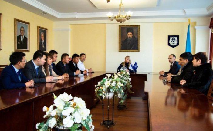 ТНЕУ відвідала делегація з Китайської Народної Республіки (ФОТО)