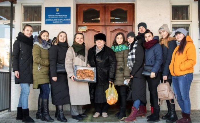 Студенти ТНЕУ подарували свято вихованцям Тернопільського дошкільного навчального закладу №8 (ФОТО)