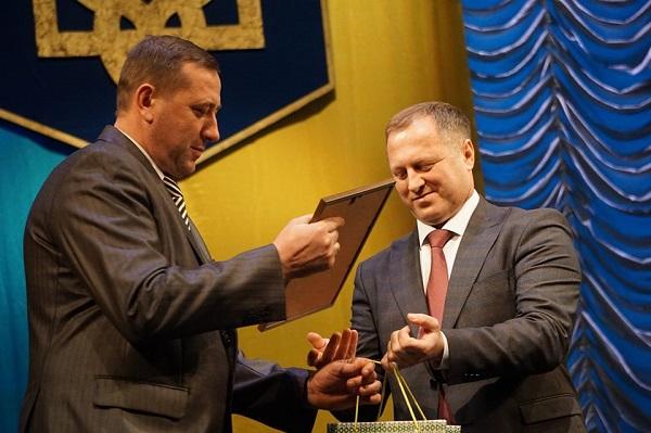 Керівник Тернопільщини відзначив кращих працівників органів місцевого самоврядування (ФОТО)