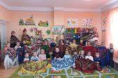 Українські хустки заполонили соцмережі: незвичайний флешмоб спонукав жительок Тернопільщини заглянути у бабусині скрині (ФОТО)