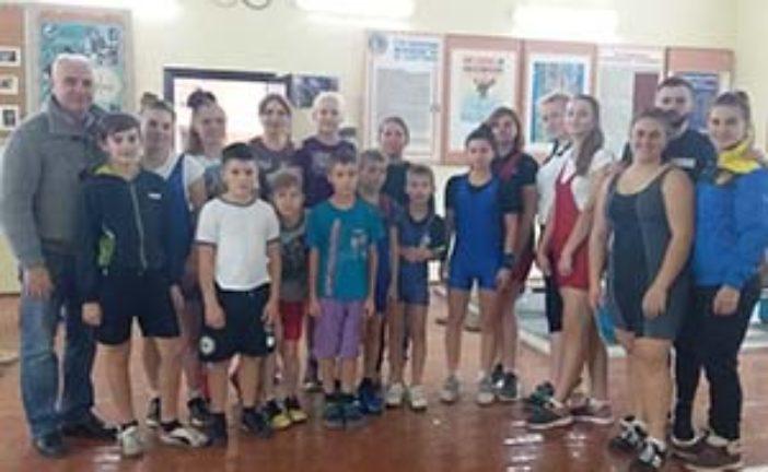У Хоросткові на Тернопільщині змагалось більше ста дорослих та юних важкоатлетів