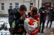На Тернопільщині рятувальник запропонував руку та серце коханій під час тактико-спеціального навчання в медзакладі (ФОТО)