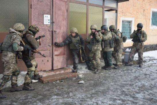 Тернопільських артилеристів навчають інструктори, які пройшли спецкурс підготовки за британською програмою «ORBITAL» (ФОТО)
