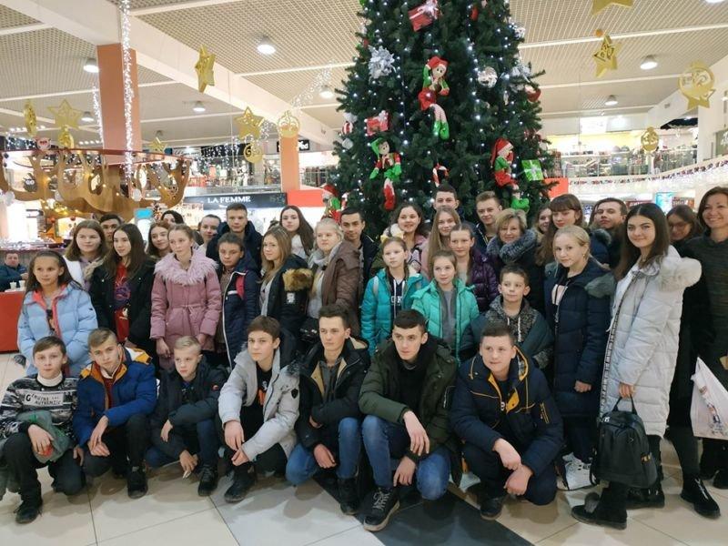 Обдарованим дітям Шумщини подарували різдвяну екскурсію (ФОТО)