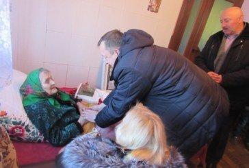 А в 95 – ще ломаки рубала: мешканка Лановеччини відсвяткувала 100-річчя (ФОТО)