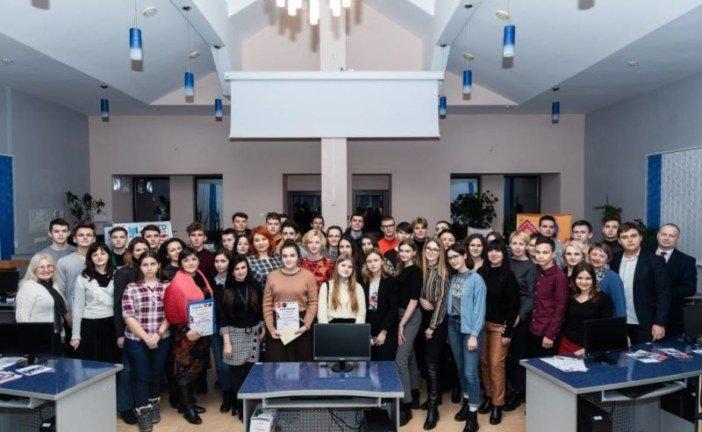 У ТНЕУ нагородили учасників конкурсу відеороликів «Будь на своєму місці»! (ФОТО)