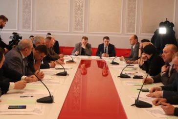 Голова Тернопільської облради Віктор Овчарук: «Ми повинні обговорити наболілі питання та спільно виробити прийнятні рішення. Тоді можливі позитивні результати»