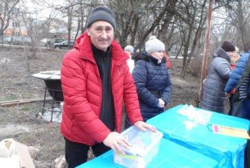 Зимовий заплив: у Тернополі збирали кошти на «Казковий автомобіль» (ФОТО)