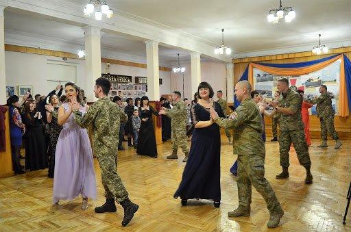У Тернополі нагородять добровольців і вперше проведуть військовий бал