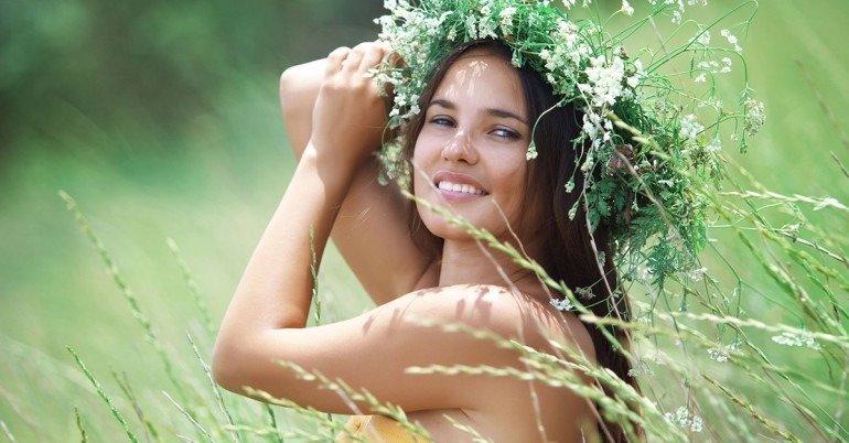 Відвари трав: бабусині рецепти для розкішної зачіски
