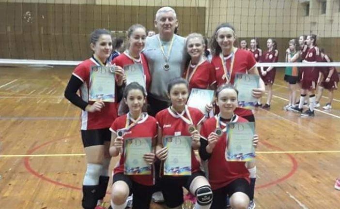 Волейболістки Тернопільського «Інваспорту» – срібні призерки молодіжного чемпіонату України