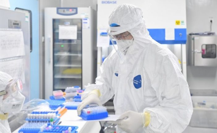 Жителі Мадриду щовечора дякують оплесками лікарям за їх роботу з порятунку хворих на коронавірус (відео)