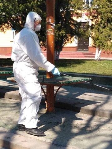 У Тернополі дезінфікують зупинки громадського транспорту (ФОТО)