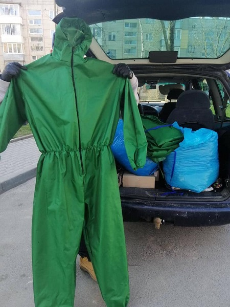 Почесний консул Вірменії в Тернопільській області закупив для Монастириської лікарні 40 костюмів для медиків