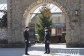 Тернопільські поліцейські роздали захисні маски вірянам, які прийшли до храмів на Благовіщення (ФОТО)