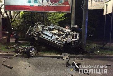 Нічна аварія в Тернополі: джип перетворився на купу брухту (ФОТО)
