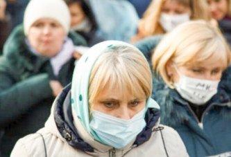 Українці думають, де гроші взяти, а чиновники – як свої статки приховати