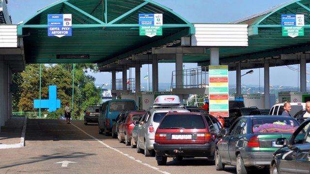 Де і як можна перетнути кордон з Польщею