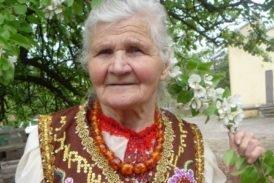 Півсотні унікальних українських костюмів створила 92-річна зв'язкова УПА з Тернопільщини (фото)