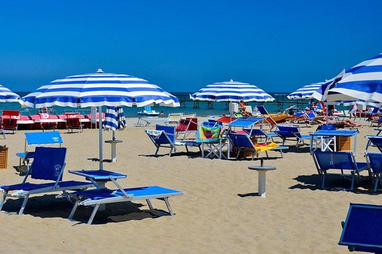 Експерти пророкують конфлікти між туристами через місця на пляжі