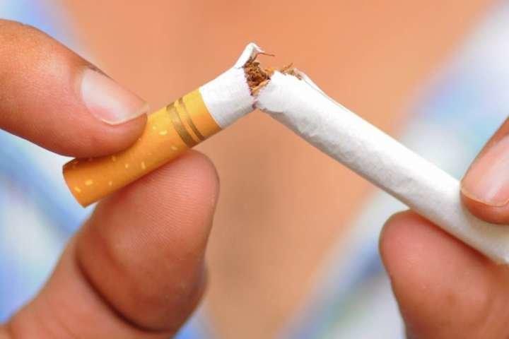 У світі кожних шість секунд помирає курець