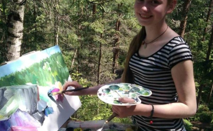 Почала малювати в чотири роки: юна тернополянка створює «живі» картини